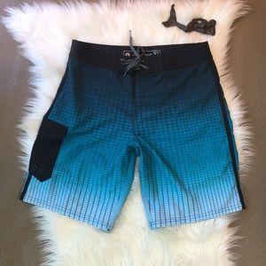 Ocean Current men's board shorts size 32